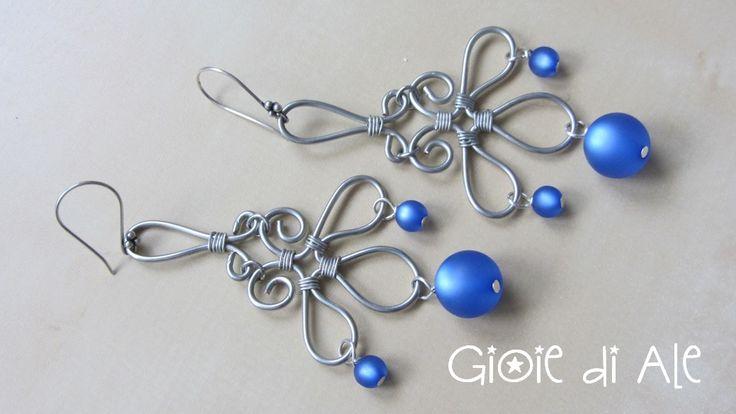 Rame argentato e perle di resina sintetica #gioiediale #lemaddine #lemaddinecreano #bijouxhandmade #handmadejewelry #bijoux #gioie_di_ale #orecchini #jewels #wire