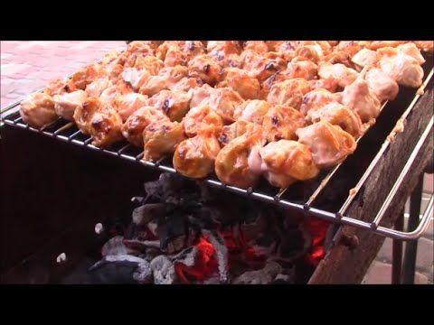 Пельмени на мангале - это очень простое и вкусное блюдо которое сможет приготовить каждый.