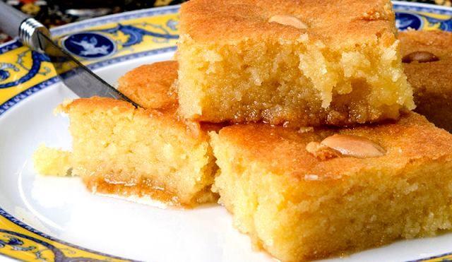 Μπασμπούσα, υπέροχο σιρoπιαστό γλύκισμα Αιγυπτιακό σάμαλι με γάλα που το κάνει εξαιρετικά αφράτο και λίγο φρέσκο βούτυρο για έξτρα άρωμα!!! Π α ν ε ύ κ ο λ ο !! – igastronomie.gr
