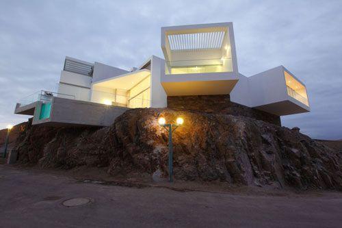 Casa Las Lomas I-5, Lomas del Mar beach, Cerro Azul, Peru, Vértice Arquitectos. (Juan Solano)
