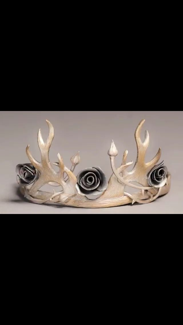 Margaery Tyrell's wedding crown