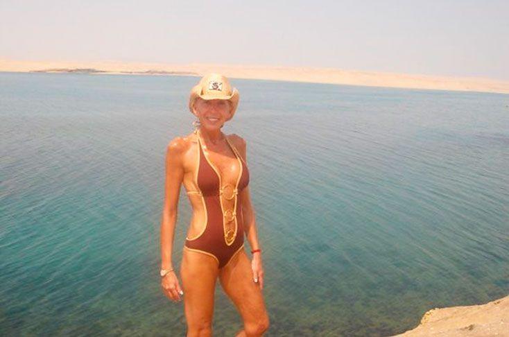 Laura Bozzo causó revuelo en redes sociales por sus fotos en bikini