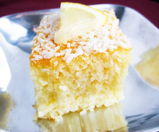 My favourite cake: Coconut Ravani (syrupy semolina cake)/ Το αγαπημένο μου κέικ: Ραβανί καρύδας