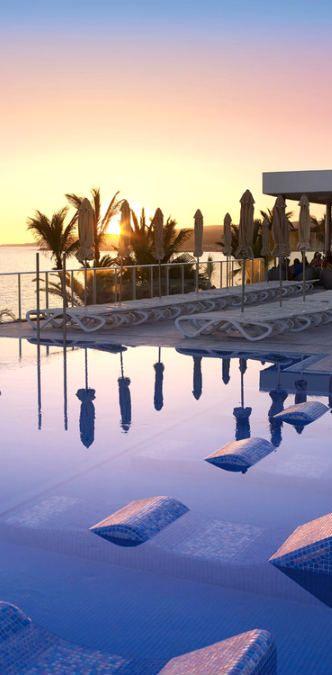 Sunset from the pool - ClubHotel Riu Gran Canaria - RIU Hotels & Resorts