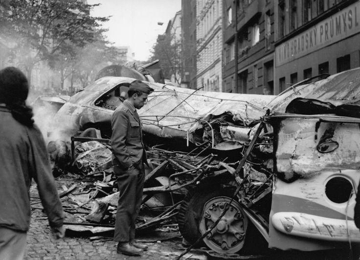 Praha  21. srpna 1968 —