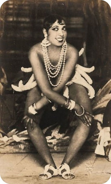 Josephine Baker - just love her, my favorite!!! <3