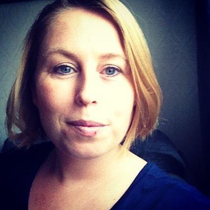 PÅMINNELSE Snart är det dags för Live med Linda. Kl 12 på http://ift.tt/2nL7iev pratar jag om att vara personlig och hitta tillbaka glädjen att blogga.