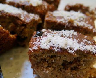 Karabuğdaylı Yaban Mersinli Unsuz Şekersiz Kek