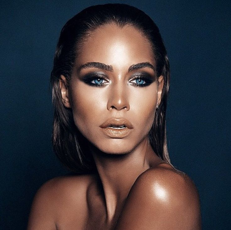 Gorgeous wet look bronzed makeup