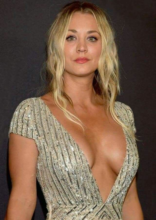 Kaley Cuoco And Her Gorgeous Body  Kaley Cuoco In -1247