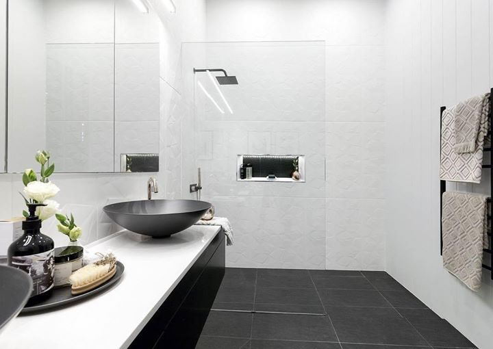 Get the look of @karlieandwill's stunning bathroom at The Block Shop. We loved their black accessories - the sinks shower head and vanity. What did you think? #9theblock #roomreveals #bathroom http://ift.tt/2cRtYoT