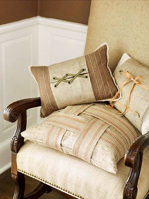 Lots of ideas here on how to use jute upholstery webbing in home decor--pillows, runners, chairs, napkin holders, bags, etc...