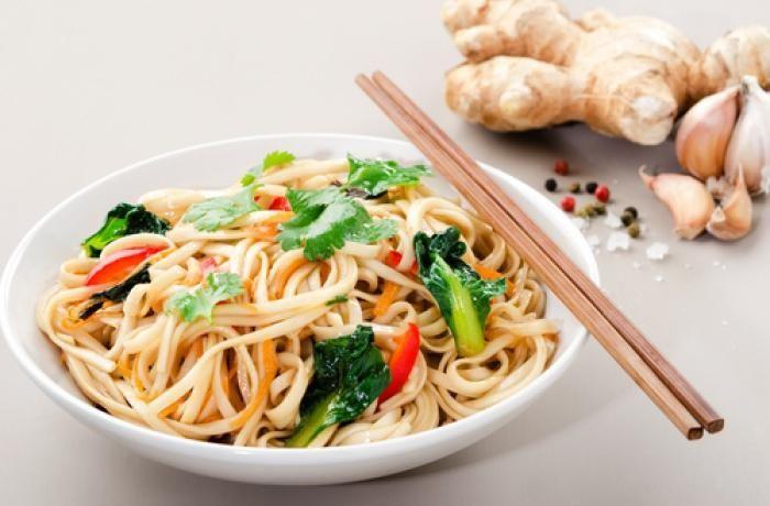 Asijské nudle » Hlavní jídlo » Recepty » ŽENY s.r.o.