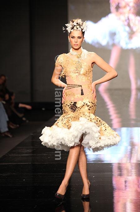 ROSALIA ZAHINO & ENCARNACIÓN SOLÁ En relevé - Simof 2013 (Love this skirt!) a través de Aroa Nehring