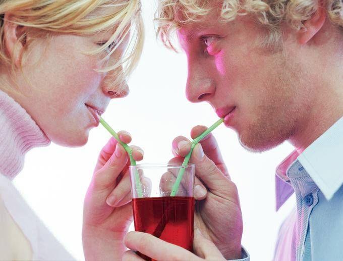 Tre consigli scientifici..per fare colpo al primo appuntamento! Leggeteli qui: http://www.cosmopolitan.it/sex-love/primo-appuntamento-3-consigli-basati-su-studi-scientifici#01
