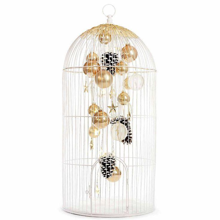 Gönne Deinem Zuhause einen Hauch von Romantik! Dieser Deko-Vogelkäfig aus Metall könnte Dir dabei behilflich sein, denn er bildet die Basis für viele schöne Arrangements. #Deko #Weihnachten