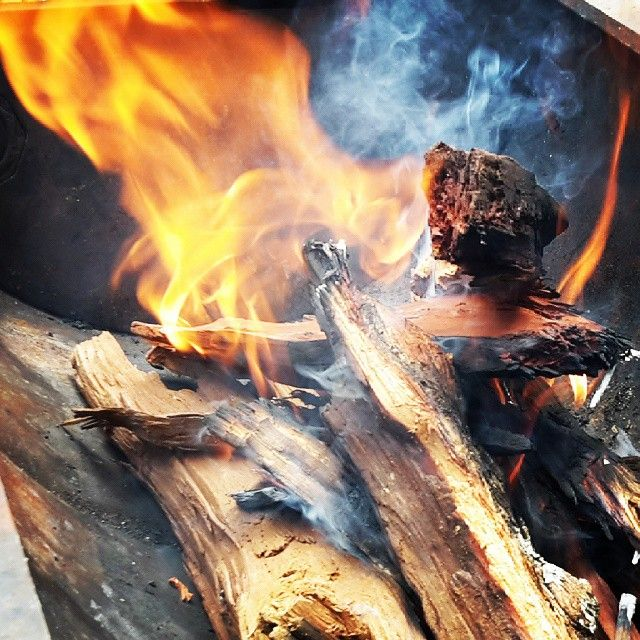 Fire's lit... ons gaan nou braai #BikiniBraai #Fire #Flames