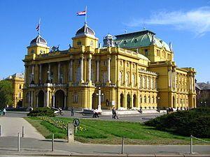 Zagreb, capital de Croacia. Teatro Nacional de Croacia.