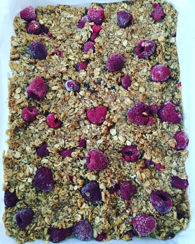 Vegan raspberry flapjacks