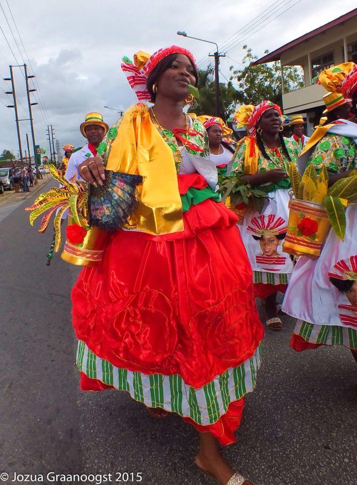 Surinaamse klederdracht