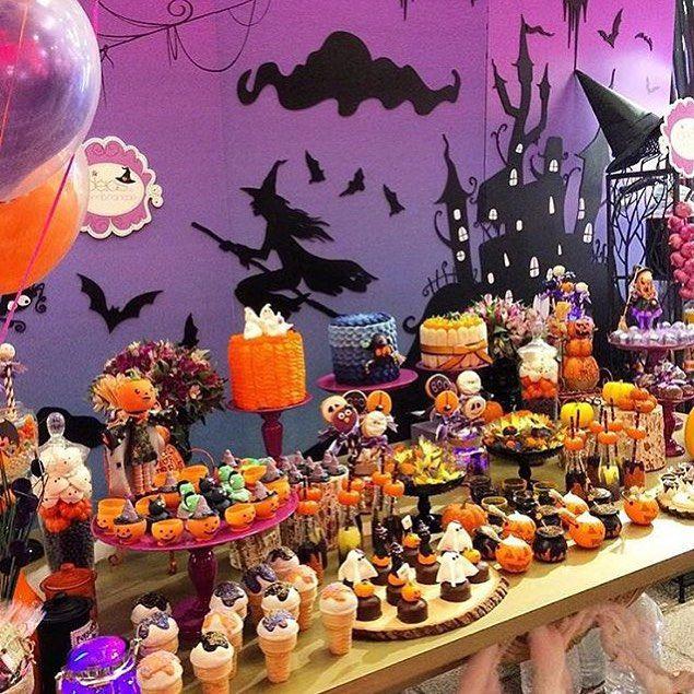 halloween theme hotel
