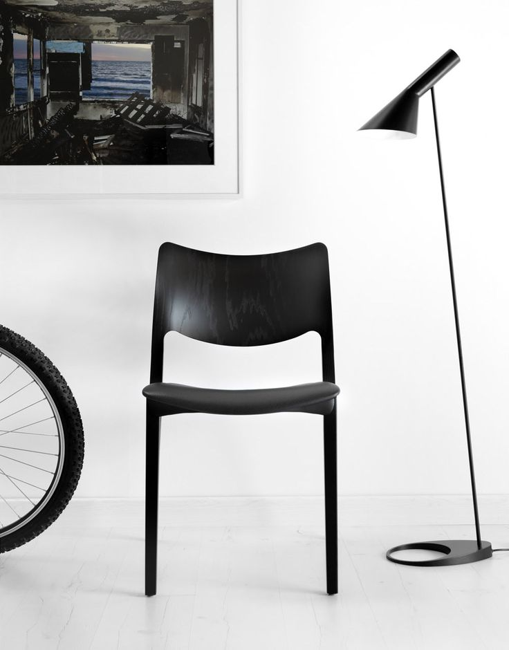The value of the Jesus Gasca's design work: the fresh and timeless STUA Laclasica chair. LACLASICA: www.stua.com/eng/coleccion/laclasica.html