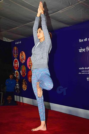 Shilpa Shetty is an Indian film actress who is well known for her love of yoga …. #shilpashetty #celebrityyoga #yogagirl #famousyoga #yoga #yogaactress #bollywood