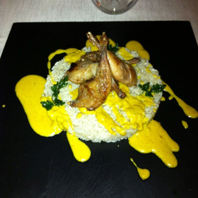 riso con quaglie e salsa al curry