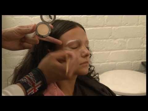 Michelle Keegan made over as Mona Lisa (video) (Gioconda / Mona Lisa)