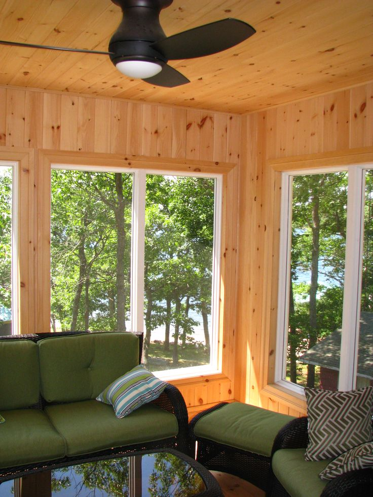 Carling Bay Cottage - Outdoor living - Sunroom - Cedarland Homes - www.cedarlandhomes.ca