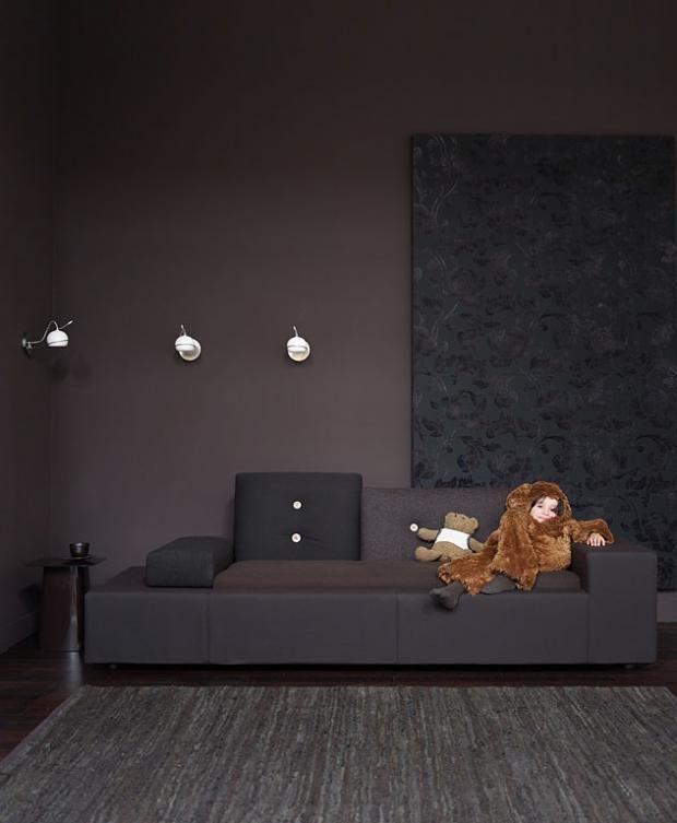 Dunkle Töne auch für kleine Räume Farbe: 03.033.06