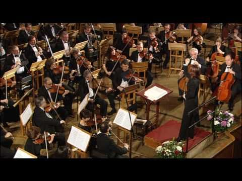 Brahms : 'Hungarian Dance No. 5' - conducted by Tomomi Nishimoto and the Russian Bolshoi Symphony Orchestra.