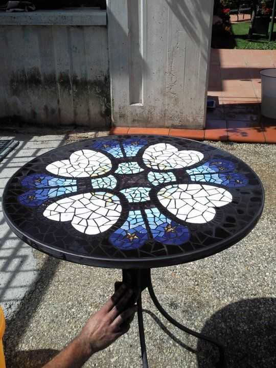 #mosaic table