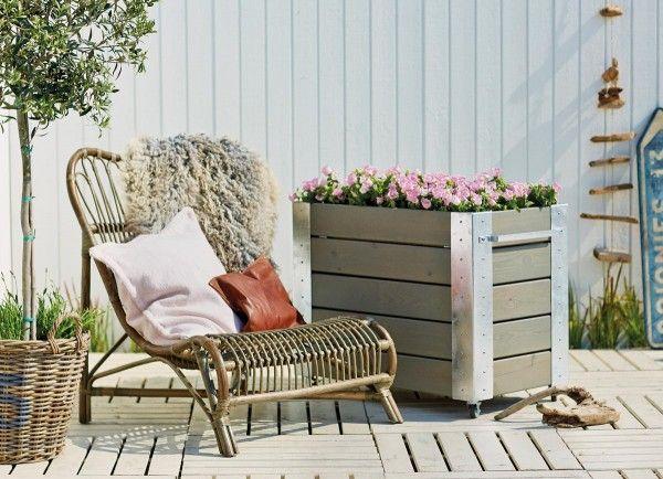 Hochbeet Mit Boden Und Radern In 2020 Hochbeet Gartenmobel Sets Gartenstuhle