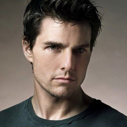All You Need Is Kill London Set Video with Tom Cruise -- Doug Liman directs this futuristic sci-fi thriller about a soldier who dies every day in battle, only to come back to life again. -- http://wtch.it/VwgG5