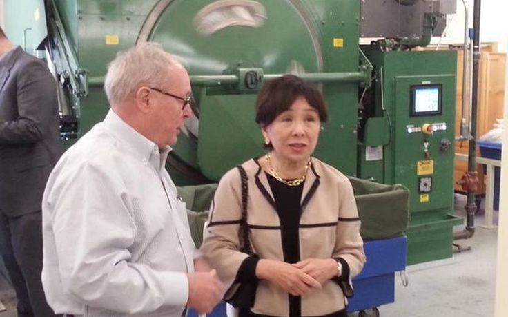 Adapting to drought, longtime Sacramento linen cleaning business cuts water use