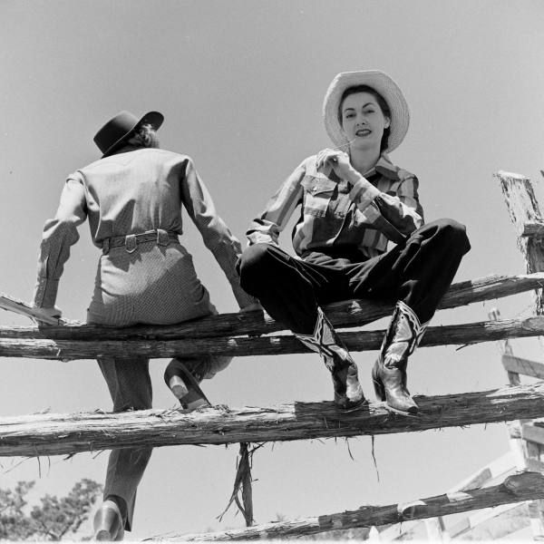 118 Best 1940 S Cowgirls Images On Pinterest Vintage