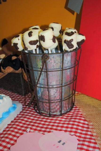 Cow marshmallow pops.