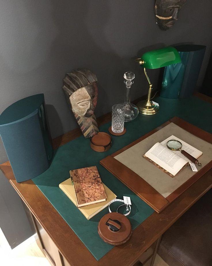Nyt on tullut vaihdossa harvinaisuus! Todella tyylikkäät Tumman vihreät BeoLab 4000 kaiuttimet. #beolab4000 #emerald #emeraldinteriors #beohelsinki #beoclub #galleriaesplanad #bangolufsen #secondlife #green #aluminiumspeaker #aluminium #craftsmanship #boknäs #tiki #officetable #workdesk #officeideas #managerdesk #birch @boknashuonekalut @galleriaesplanad