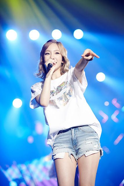 SNSD TaeYeon's pictures from her 'Butterfly Kiss' concert