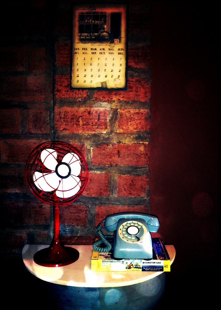 Vintage Asset - Toshiba Fan 1940 & Rotary Phone.