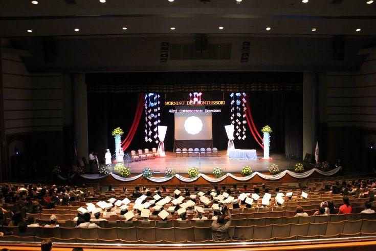 Graduation stage design snowflakes chandelier stage for 8th grade graduation decoration ideas
