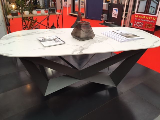 Mobilier Decoratif Metallique Sigal Industries Dining Table