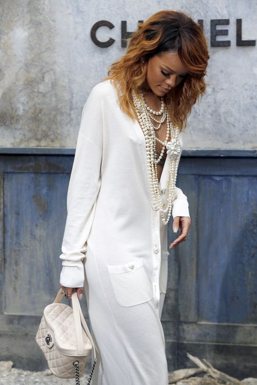 #RHIHANNA #CHANEL #STYLISH #FASHION #MODE #MODE DE VIE #LUXURY #BEAUTY #WOMEN #WOMAN #FEMME #FEMMES #SINGER #CHANTEUSE