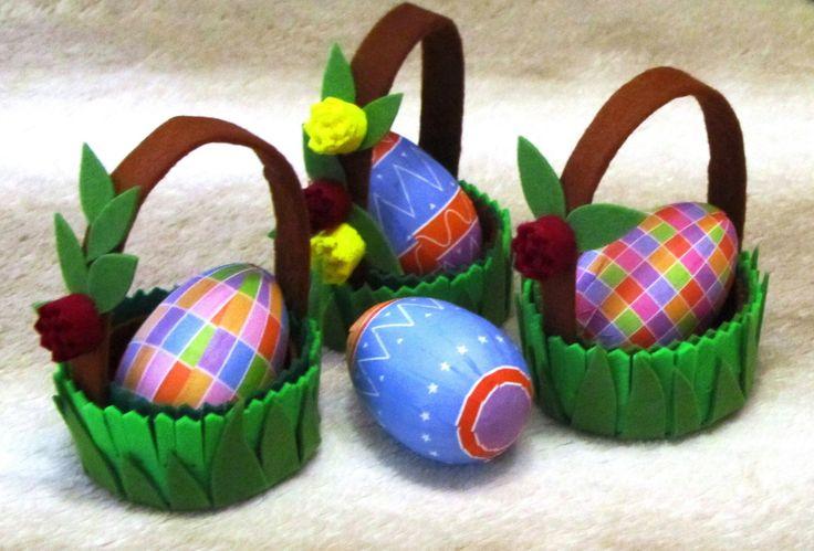 За что люблю фетр – за его уникальность и пластичность. Он хорош во многих воплощениях. Вот творю корзинки на Пасху.  #Пасха #Корзиночка #Корзиночкаизфетра #Изфетра #Пасхальныйдекор #пасхальнаякорзиночка #basket #Easter #Easterbasket #Easterdecor #Easteregg #easterbasket #feltbasket #felt