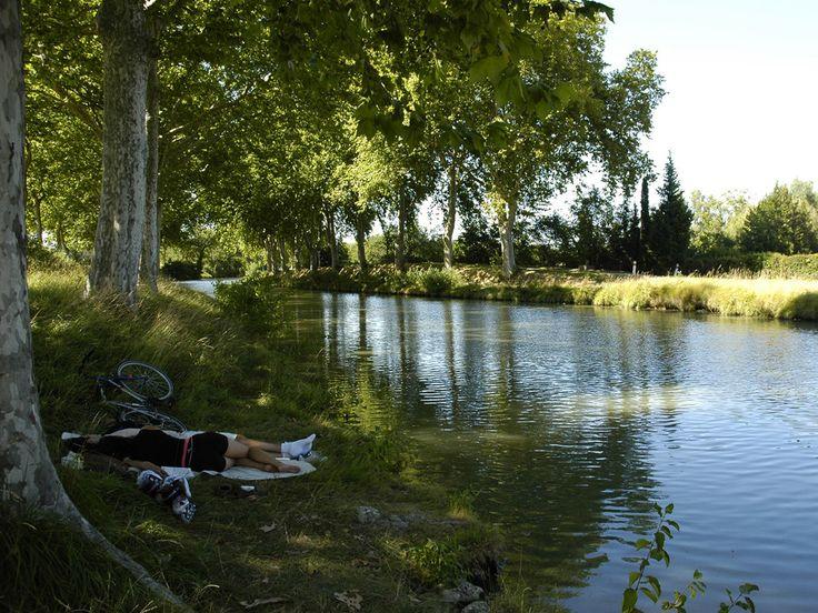 Toulouse : Sieste le long du Canal du Midi