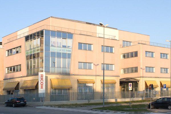 Giovanni Bona Clinica Dentale di Rivoli (TO) - apertura 2005