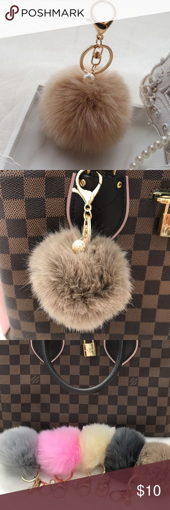 Cute Fur Ball Keychain Keychain Cute Simulation Rabbit Fur Ball Key Chain For Car Key Ring Car Ornaments      Item Type:Key Chains Metals Type:Alloy Material:Imitation rabbit hair Shape\pattern:Round Size:8cm Color: Gold chain, Brown/Mocha Fur...---Price is FIRM Accessories Key & Card Holders