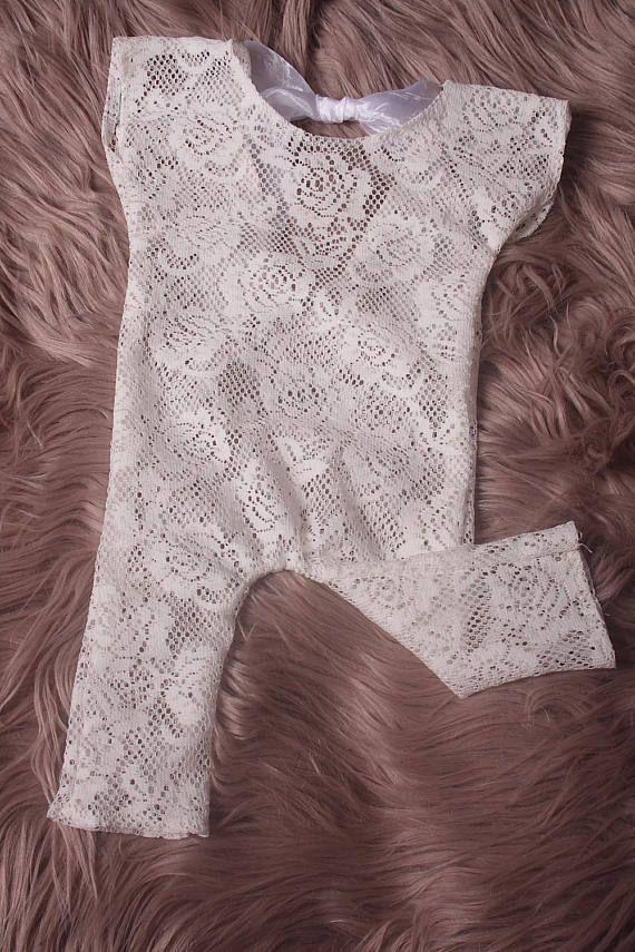 Newborn /Sitter White Lace stretch romperin 4