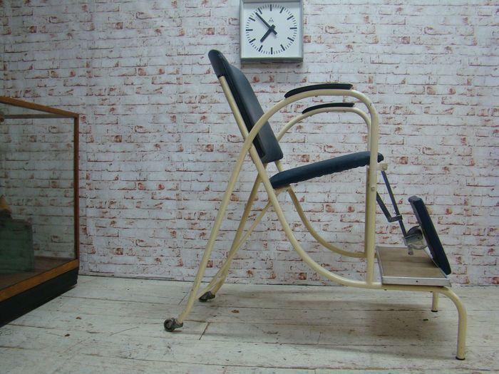 Online veilinghuis Catawiki: Jaren 1940s / 1950 hoog model vintage tandarts stoel